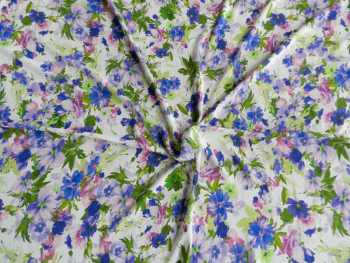 Tissu voile de viscose florale lavande