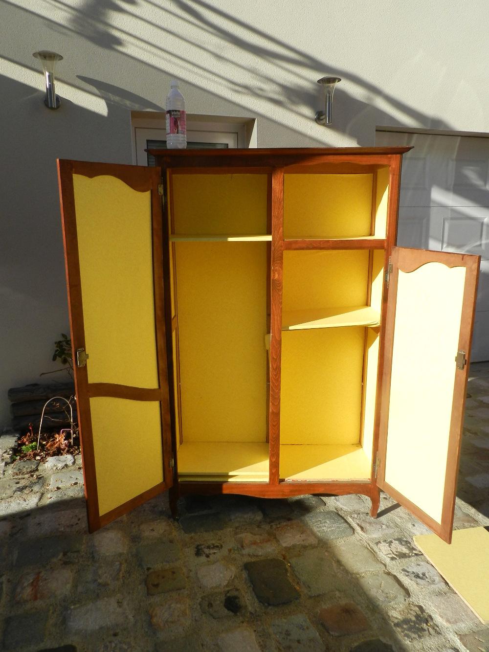 intérieur armoire avant rénovation