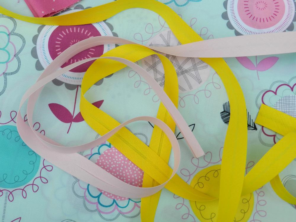 tissu floral dums gums art gallery fabric et biais jaune