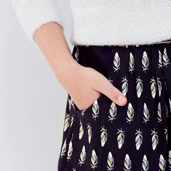 tickling-toes-black-soft-cactus-fabrics-feather-05-square_2